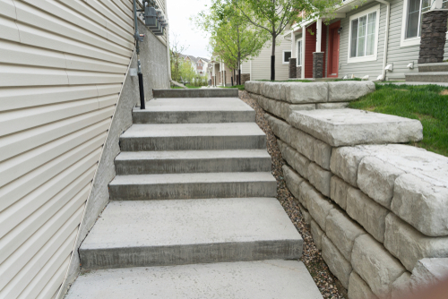 Walway,In,Apartment,Block,With,Small,Retaining,Wall